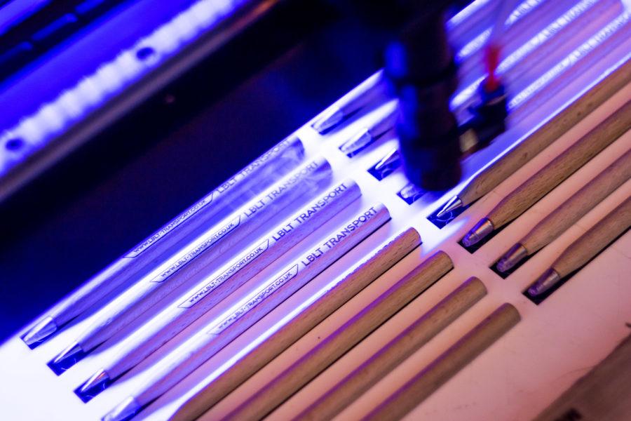 Laserové řezání a gravírování